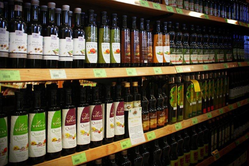 rayon huiles dans un magasin Biocoop Scarabée
