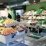 Rayon fruits et légumes Scarabée Biocoop Bruz
