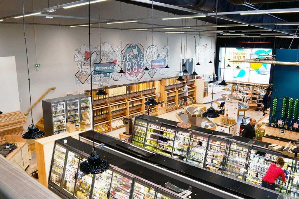 rayon vrac et frais magasin Scarabée Biocoop Vern-sur-Seiche